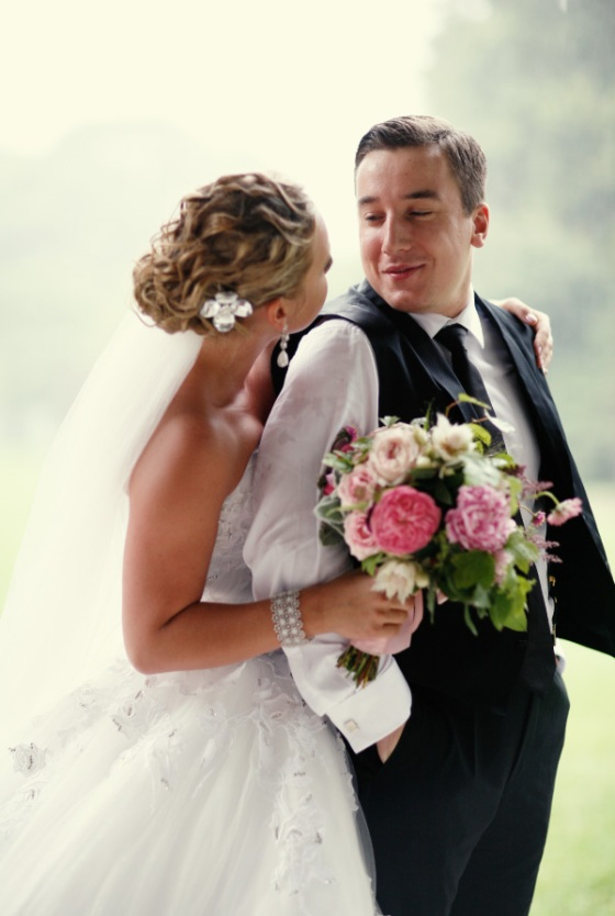 bride groom rain wedding flowers roses peonies love